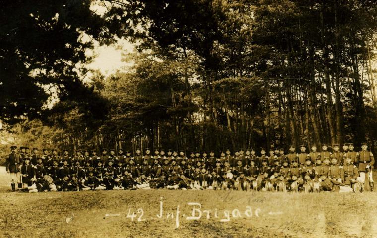 K640_032-A - 42 Inf. Brigade